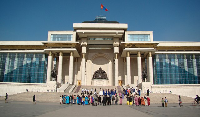 Mongolian_Government_Building-800.jpg
