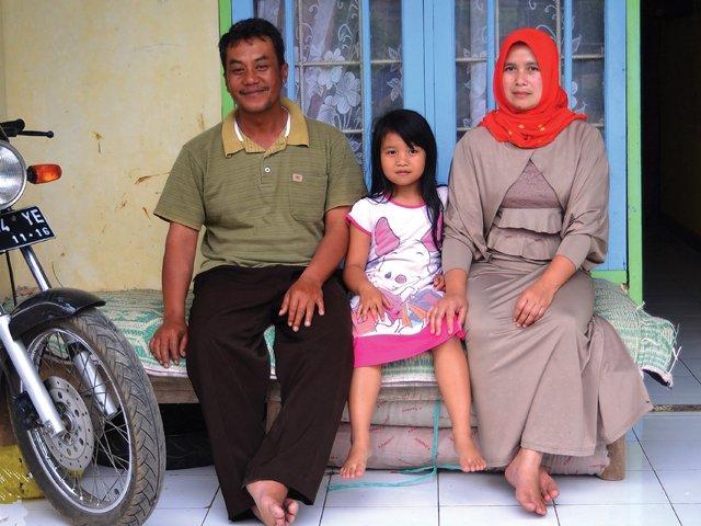 77.-Tea-small-holder-family.jpg