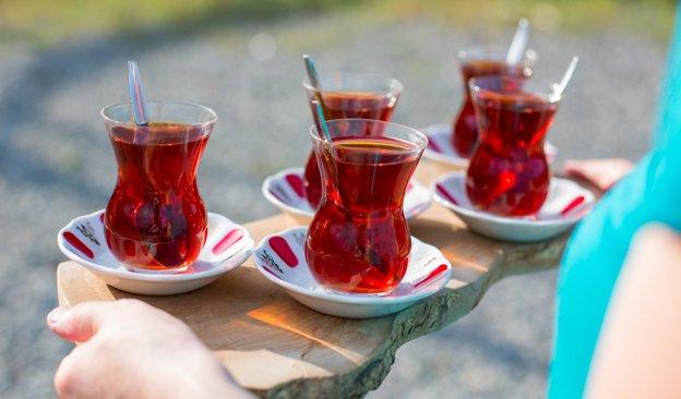 Newsletter-624x366-TeaParty.jpg