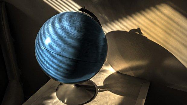 15i4_ART_GCR_Spinning Globe-620.jpg